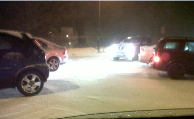 the joy of gridlock (please note that there was almost no snow on the ground - just ice under that little sprinkling!)