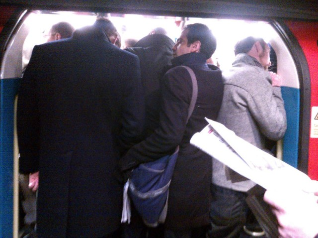 3rd February 2014:  Monday morning on the Jubilee Line.  It was 7am and already this chaotic!