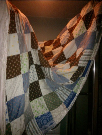 10th February 2014:  When you have the teeniest hours in the world and a double patchwork blanket your mum made years ago, washing and drying it is a challenge.  The solution:  Turn the bathroom into a small tent.